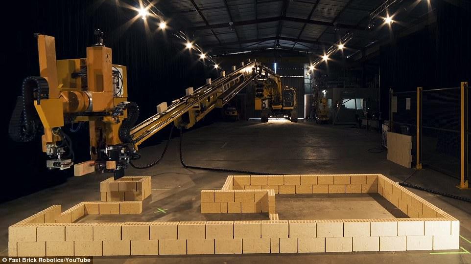 Робот-строитель, засекреченный не хуже военной техники