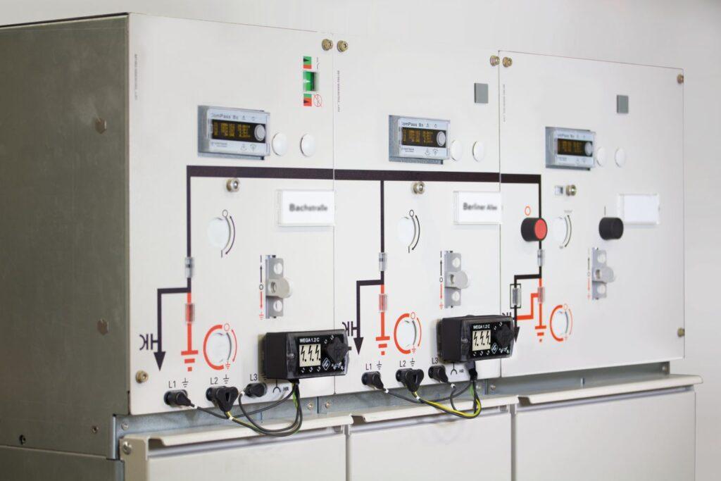ИКЗ Horstmann - гибкое решение для щитовиков, лицензиатов и производителей ячеек среднего напряжения