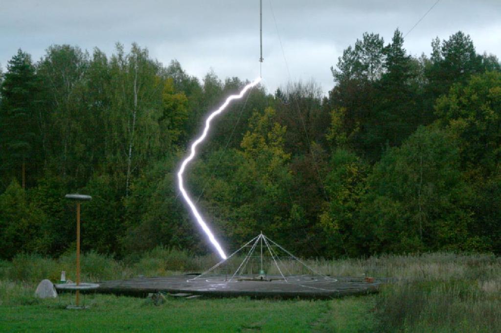 Почему пора отказываться от зон защиты при расчете молниеотводов